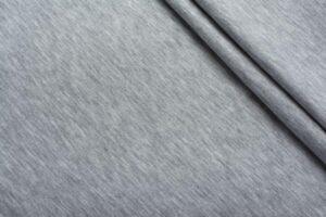 Серый трикотаж